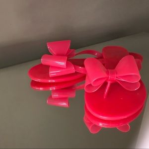 Jelly sandals with bow